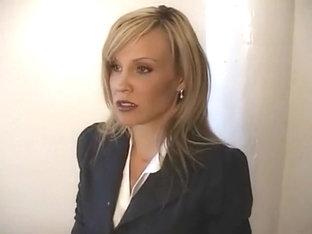 vidéo de sexe de Secrétaire le sexe anal provoque des aides
