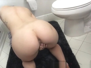 My Cute Stepmom Seduced And Fucked Me In The Shower