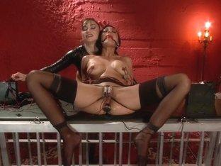 The Electro Slave Baretta James Submits To Lea Lexis