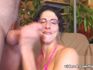 Livecam Deep Throat Frenzy With A Cumshot Bonus - Kinkyfrenchies