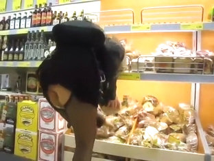 Sexy Pussy Flashes Her Skirt In Public Store