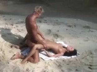 Smoking Hot Sex On The Beach With Young Couple