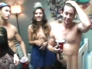 Sweethearts Share Their Wild Pussies During Orgy Party