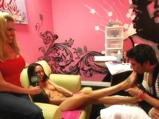Naked Brunette Teen Girl Making Hot Guy To Color Her Toes!
