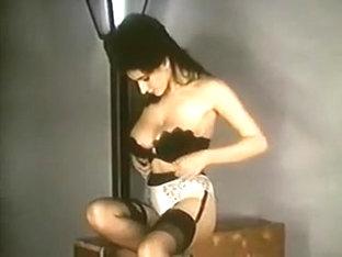 Leopardskin Striptease - Vintage Nylons Big Boobs Stockings