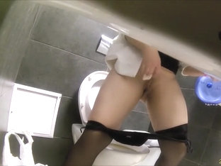 Pantyhose Are Sexy On A Woman Pissing And Farting In The Toilet