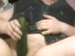 BBW Sex Teen Plays With Cucumber