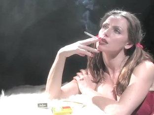 cigarette fumer fétiche porno humide fille chatte pic