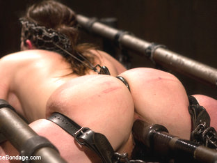 Missy Minks In Breaking The Innocent - Devicebondage