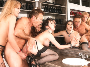Natty Mellow & Bree Haze & Rocco Siffredi In Model's Backstage Anal Threesome - Evilangel