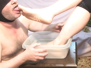 Feet Cleaning