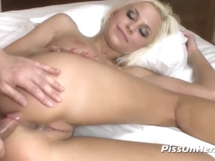 Piss Drinking - Dido Angel Kneels For Golden Showers After Anal Fucking