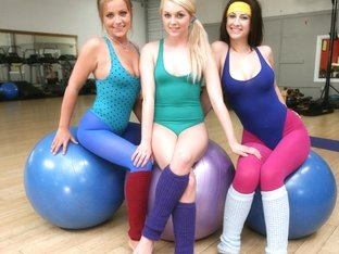 les femmes de sperme dans la hd mens nu yoga