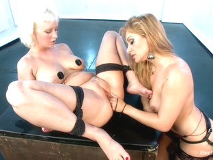 Lea Lexis & Cherry Torn In Blonde Bubble Butt Anal Electro Fisting - Electrosluts