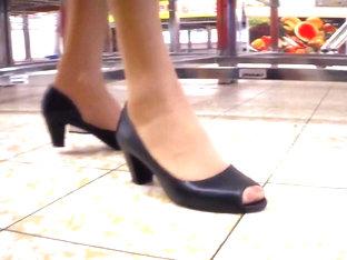 Public Heels & Feet