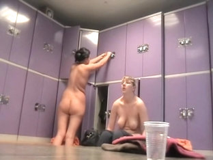 Spy Cams Amateur Nudity From The Changing Room Girls