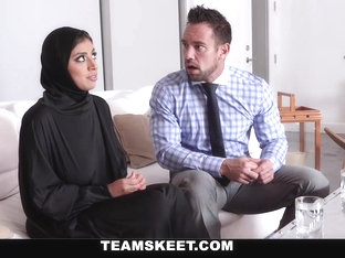 Ella Knox In Muslim Teen Gets The Cream - Teenpies
