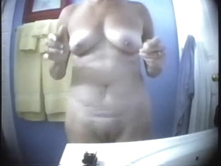 Oh Yes ! Finally I Can See My Mom Fully Nude !