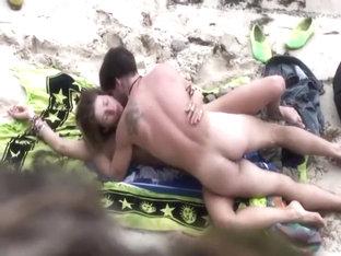 Voyeur Catches Wild Sex On A Beach