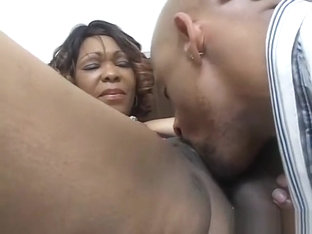 Black Milf With Lovely Tits Gets Her Cunt Shaved And Fucked Hard