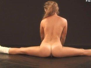 Mashka Pizdaletova - Gymnastic Video Part 2