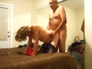 Older Wife Is Still Admirable For Fucking