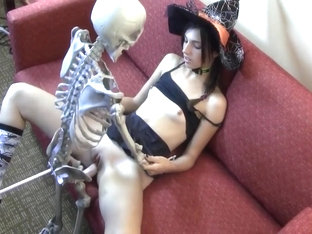 Having My Halloween Sex On T...