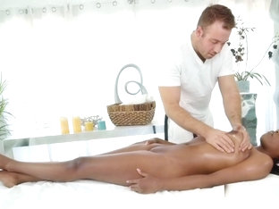 Masseur Bangs Natural Busty Ebony Milf