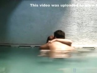 Latina Couple Makes A Sextape In The Jacuzzi