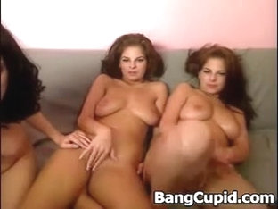 Hawt Non-professional Triplets Teasing On Cam
