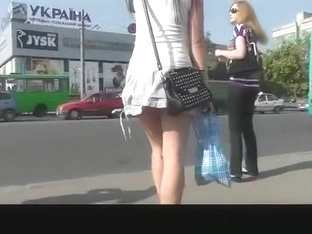 Sexy Girl In Very Short Skirt Upskirted
