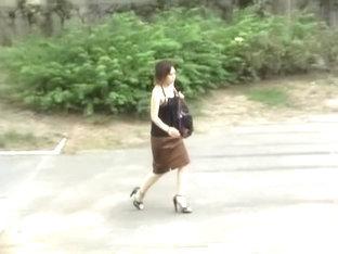 Street Sharking Video Shows A Japanese Gal Wearing Thongs
