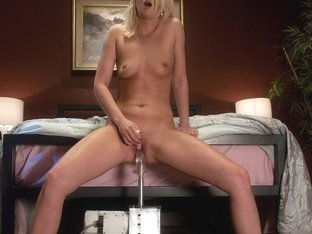 Incredible Fetish Porn Movie With Best Pornstar From Fuckingmachines
