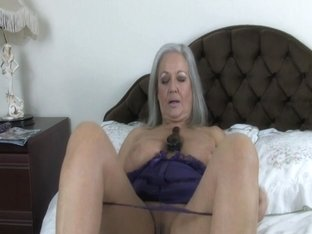 April Thomas Fuckers Her Vagina With Hair Brush