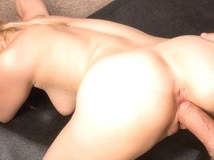 Stella Banxxx & Logan Pierce In Naughty America