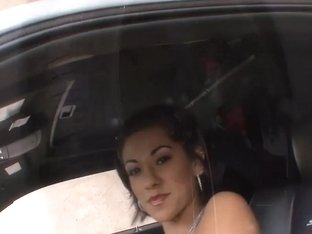 Vanessa Leon In Full Service