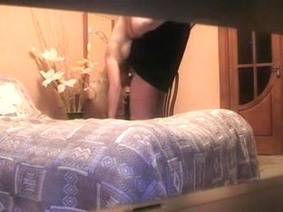 Dilettante Older Russian Pair Fucking On Daybed