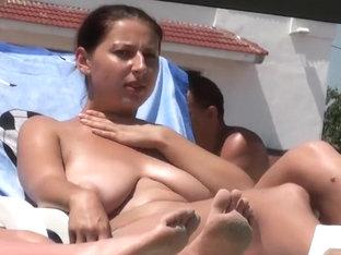 Big Boobs Of Topless Ladies