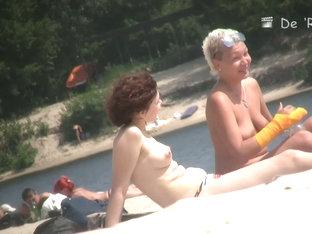 Boobs And Asses Of Mature Nudist Women Shots By Beach Voyeur