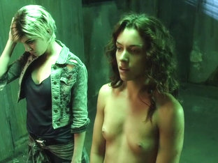 Katie Cassidy & Ashlynn Yennie - The Scribbler (2014)