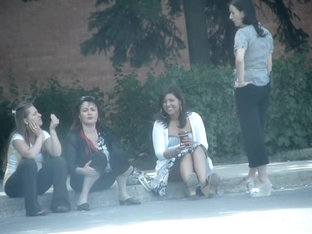 Girls Sitting In The Street Cute Amateur Upskirts