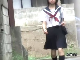 Schoolgirl Got Skirt Sharking And Was Left With No Panties
