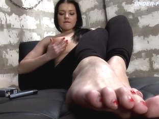 Mistress Stephanie Videos - Under-feet