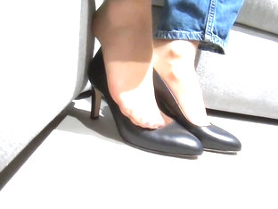 Cum On Her Nylon Feet After Public Nylon Teasing
