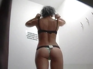 Brunette Chick With Nice Body Spied In Change Room