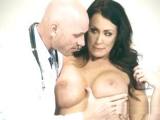 Hot Patient Reagan Foxx Gets Explored By Doctor