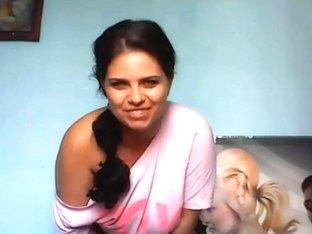 Curvy Biog Butt Girl Dances On A Hd Webcam Show