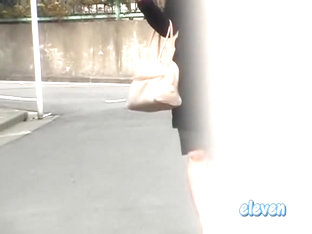 Gorgeous Japanese Woman Getting Sharking Gift From Lustful Stranger