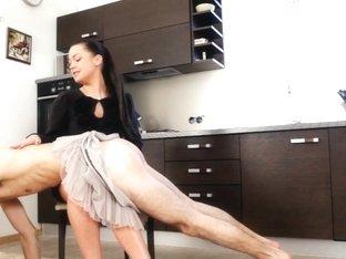 Under-feet Video: Mistres Nicole